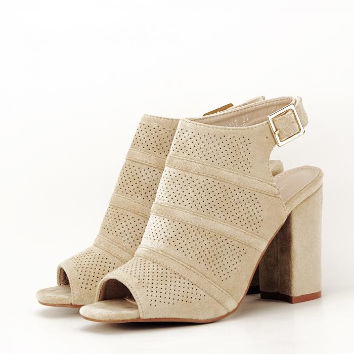 Sandale bej cu toc gros Gianina [4]