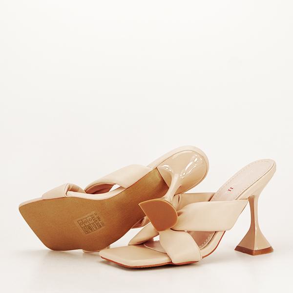 Sandale bej cu toc Sonia [7]
