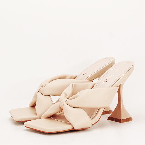 Sandale bej cu toc Sonia [0]