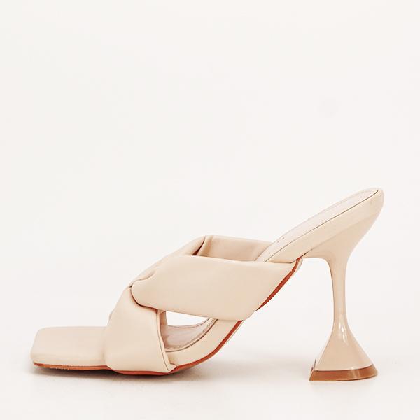 Sandale bej cu toc Sonia [1]