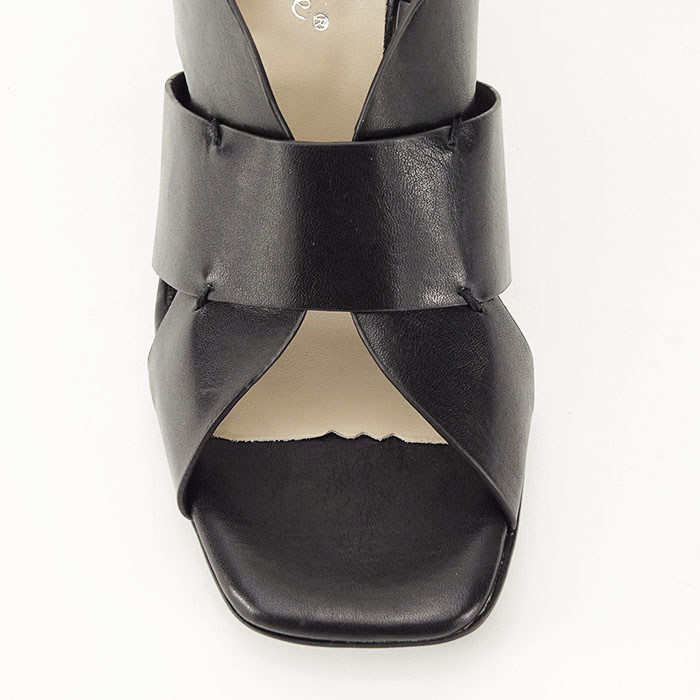 Sandale negre cu toc gros Amalia 8