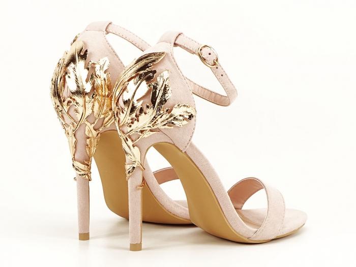 Sandale roz pudra cu toc inalt decorat cu brosa Ina 0