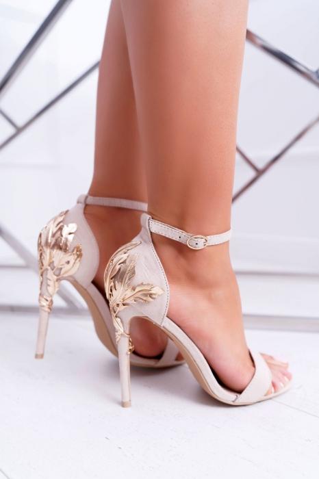 Sandale roz pudra cu toc inalt decorat cu brosa Ina 7