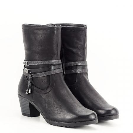 Cizme negre imblanite cu toc Maria3