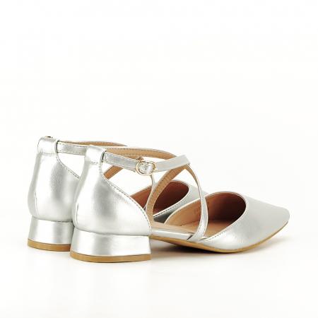 Pantofi argintii cu toc mic Carmen4