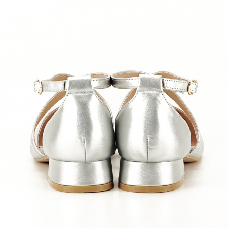 Pantofi argintii cu toc mic Carmen5