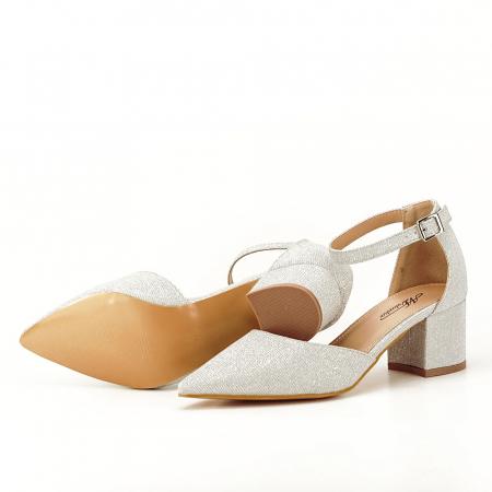 Pantofi argintii decupati lateral Casandra [5]