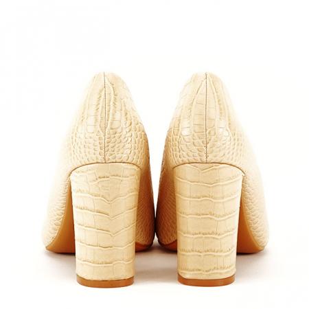 Pantofi bej cu imprimeu Dalma6