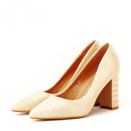 Pantofi bej cu imprimeu Dalma1