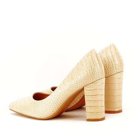 Pantofi bej cu imprimeu Dalma5