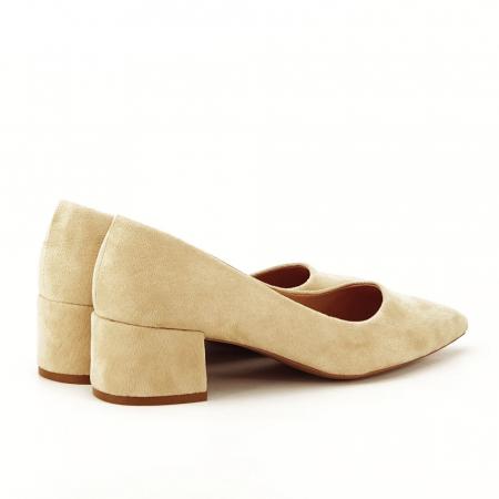 Pantofi bej cu toc mic Carla [4]