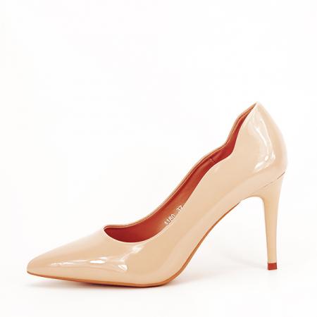 Pantofi bej lacuiti Tiffany [0]