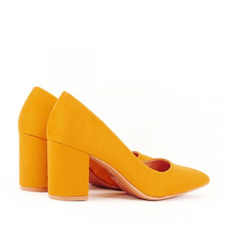 Pantofi galbeni cu toc gros Adelina4
