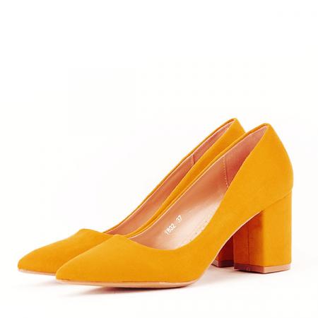 Pantofi galbeni cu toc gros Adelina1