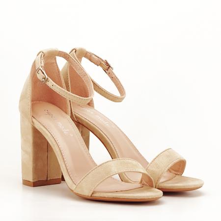Sandale bej cu toc gros Flavia5