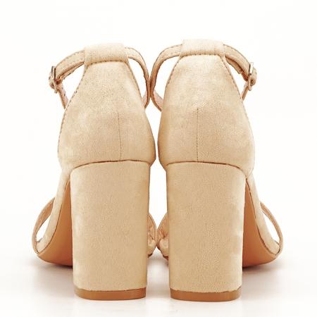 Sandale bej cu toc gros Flavia7
