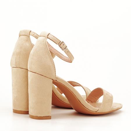 Sandale bej cu toc gros Flavia3