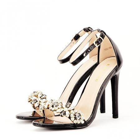 Sandale negre decorate cu pietre Gloria [0]