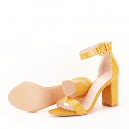 Sandale galben mustar cu imprimeu reptila Miruna [5]