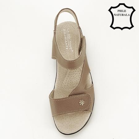 Sandale maro deschis din piele naturala Sara7