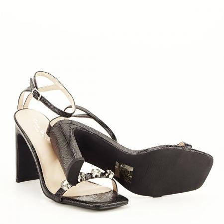 Sandale negre cu imprimeu Lola [7]