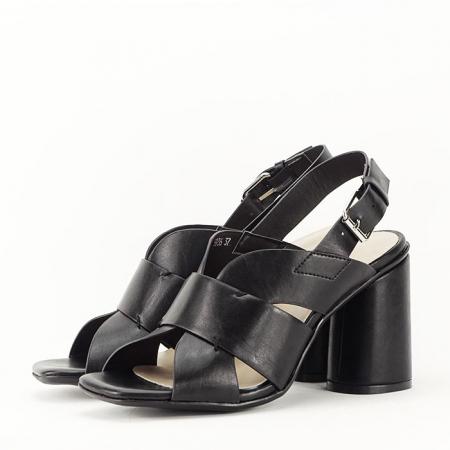 Sandale negre cu toc gros Amalia2