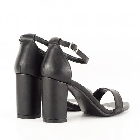 Sandale negre cu toc gros Ingrid2