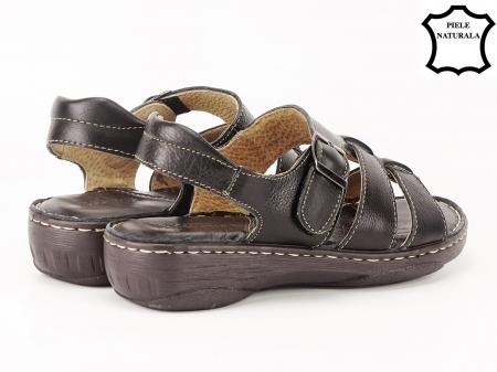 Sandale negre din piele naturala Lucky3