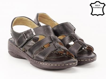 Sandale negre din piele naturala Lucky1