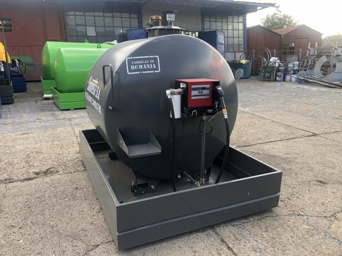 Rezervor suprateran 3000 litri cu pompa Cube 56 2