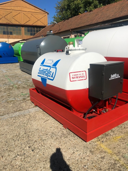 Rezervor suprateran 2000 litri pompa ST BOX - alb-rosu 0