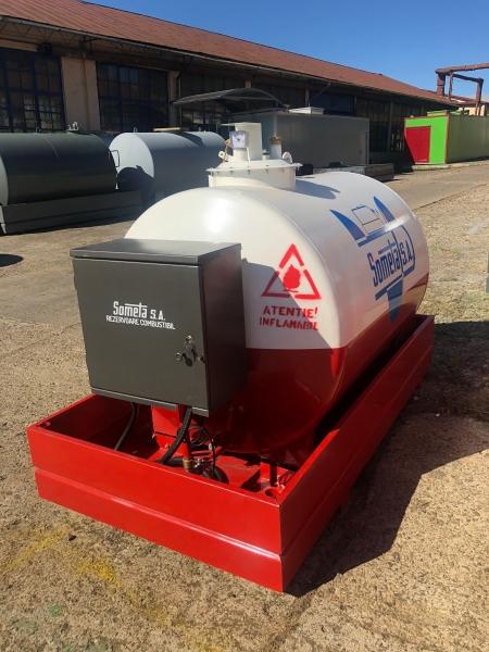 Rezervor suprateran 2000 litri pompa ST BOX - alb-rosu 3