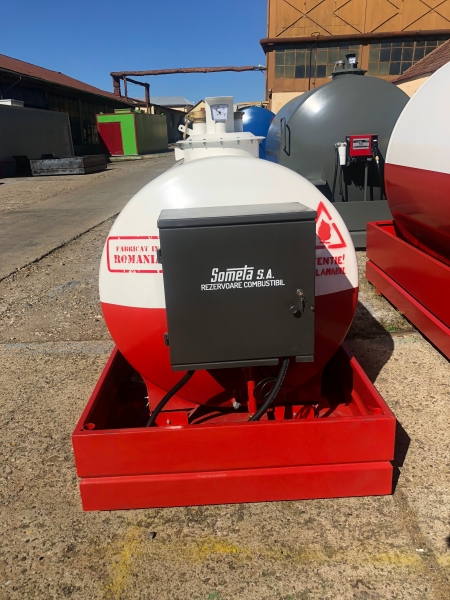 Rezervor suprateran 2000 litri pompa ST BOX - alb-rosu 2