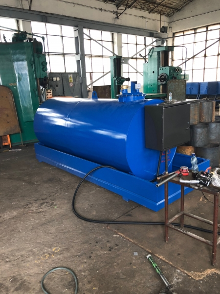 Rezervor suprateran 3000 litri cu pompă ST BOX 4