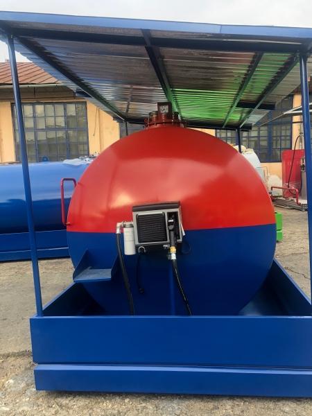 Rezervor suprateran 9000 litri cu copertină și pompă CUBE 70 electronica 1
