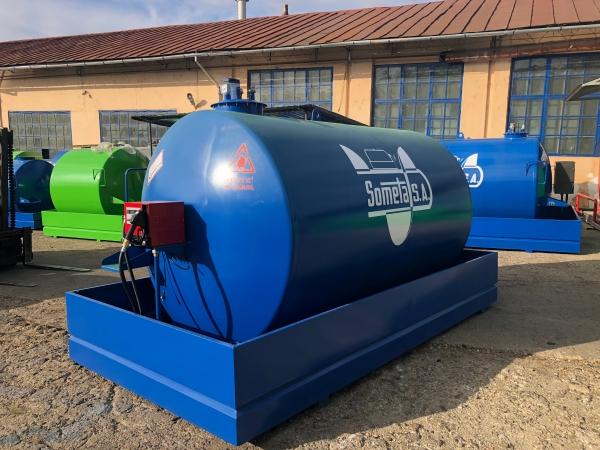Rezervor suprateran 9000 litri cu pompa Cube 56 - albastru 1
