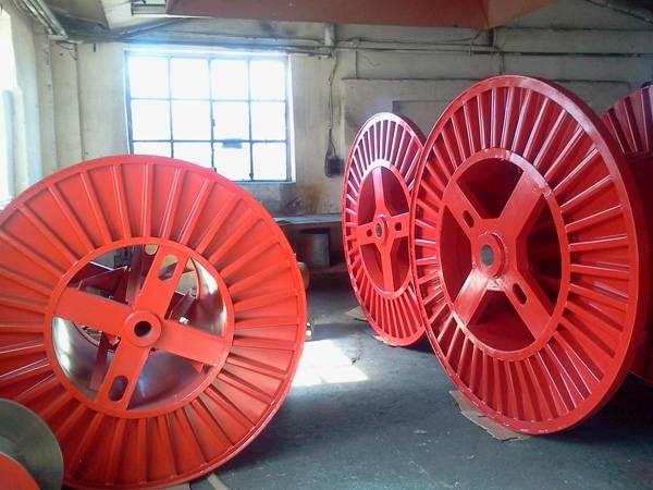 Tamburi metalici si bobine pentru infasurare conductori, cabluri si sarme 22