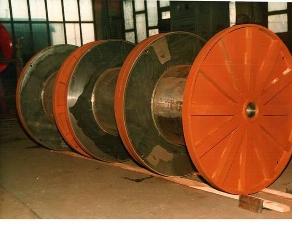 Tamburi metalici si bobine pentru infasurare conductori, cabluri si sarme 14