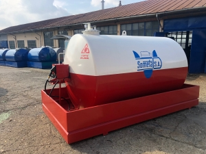 Rezervor suprateran 9000 litri cu pompa Cube 56 - alb-rosu1