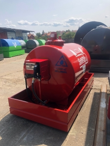 Rezervor suprateran 2000 litri cu pompa CUBE 563