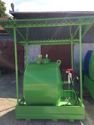 Rezervor suprateran 1000 litri cu copertina si pompă Cube 563