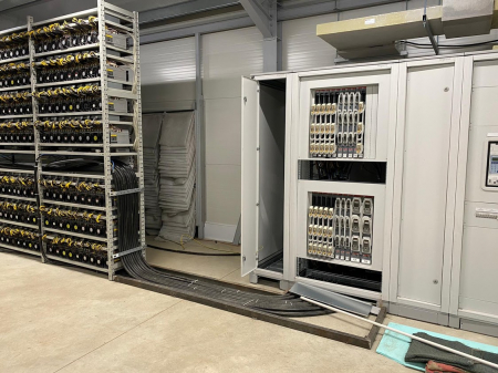 Gazduire aparate de minat bitcoin sau alte monezi6