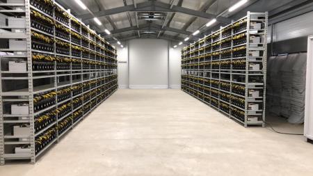 Gazduire aparate de minat bitcoin sau alte monezi0