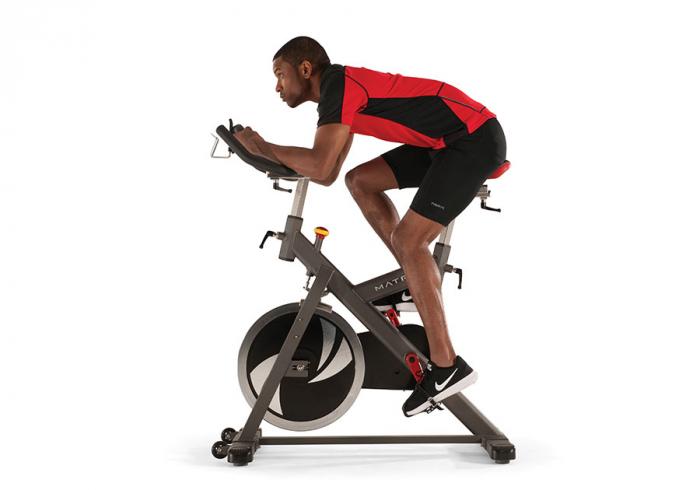 Bicicleta fitness indoor cycling Matrix ES80 [1]
