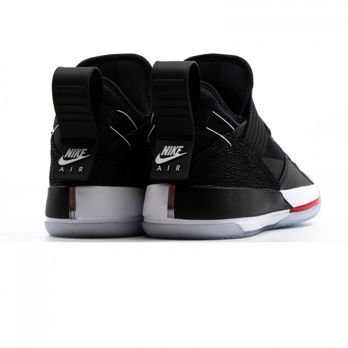 Air Jordan XXXIII SE 4