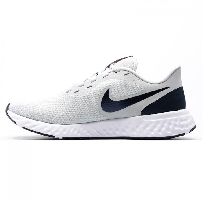 Nike Revolution 5 [1]