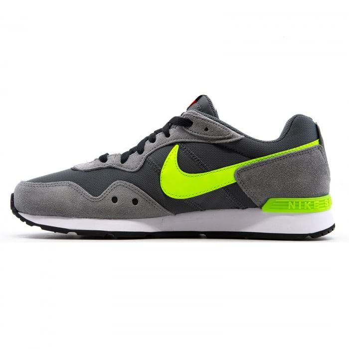 Nike Venture Runner [1]