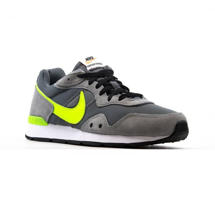 Nike Venture Runner [2]