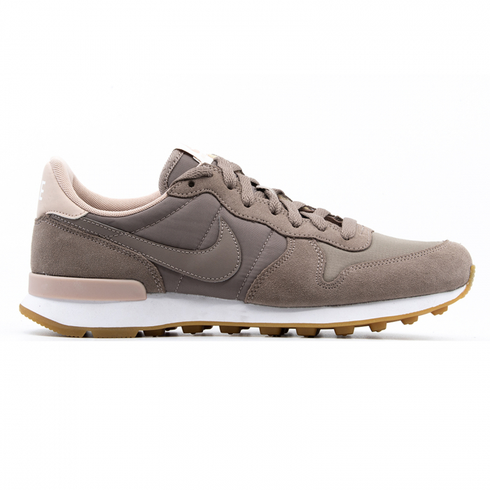 W Internationalist 0