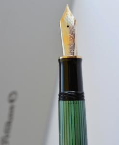 Stilou Souveran M1000 Negru-Verde Pelikan [4]